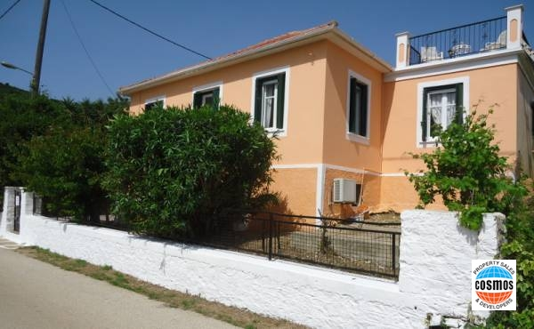 SEAFRONT HOUSE FOR SALE IN FISCARDO, KEFALONIA